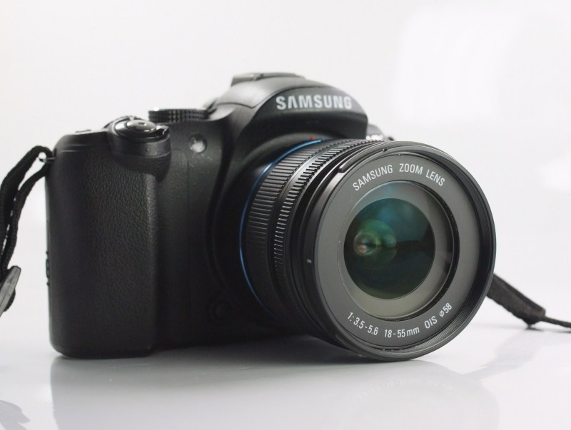 Samsung NX5 + 18-55 mm  SUPER STAV
