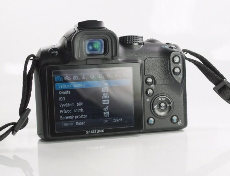 Samsung NX5 + 18-55 mm  SUPER STAV