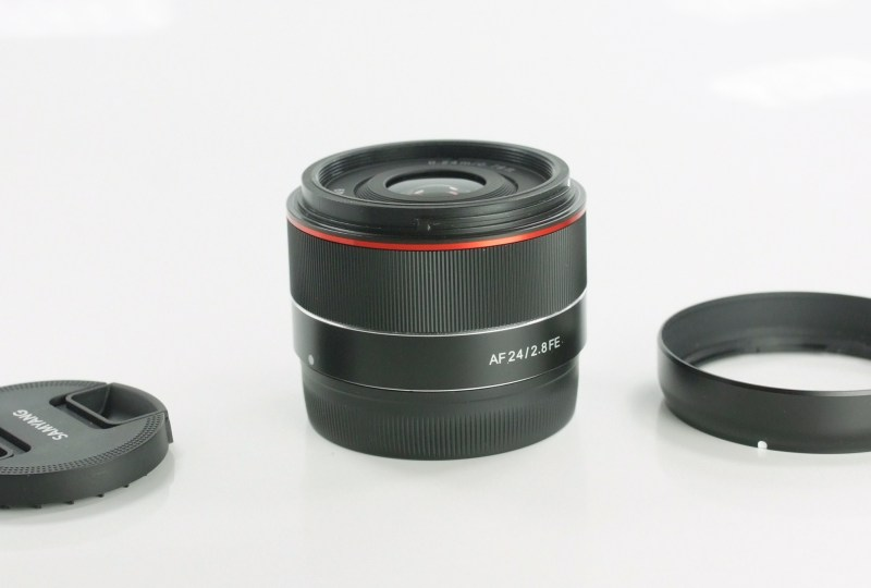 SAMYANG 24 mm f/2,8 AF FE pro Sony E  TOP