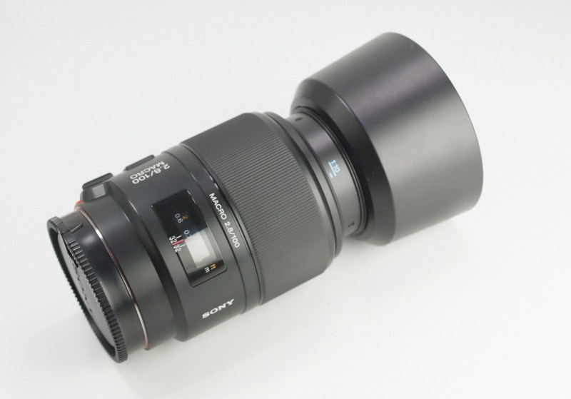 SONY 100 mm f/2,8 pro bajonet A TOP STAV
