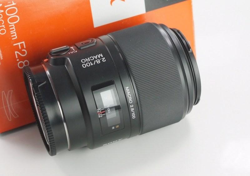 SONY 100 mm f/2,8 pro bajonet A