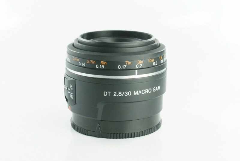 SONY 30 mm f/2,8 DT Macro SAM SUPER STAV