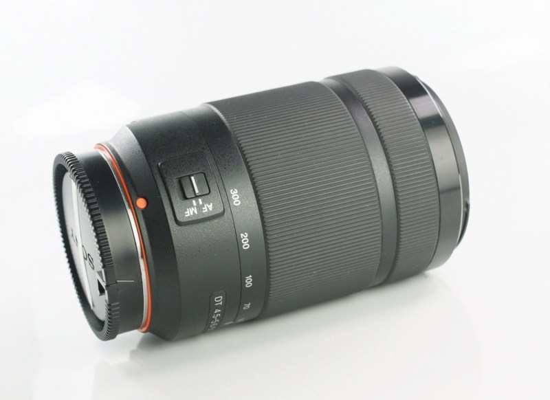 SONY 55-300 mm f/4,5-5,6 TOP STAV