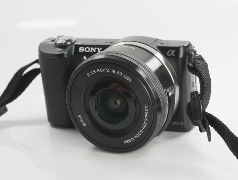 Sony Alpha A5000 + Sony 16-50mm záruka 7/2019