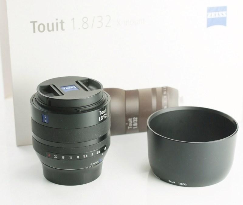 ZEISS Touit 32 mm f/1,8 Planar T* pro Fujifilm X záruka 12/2019