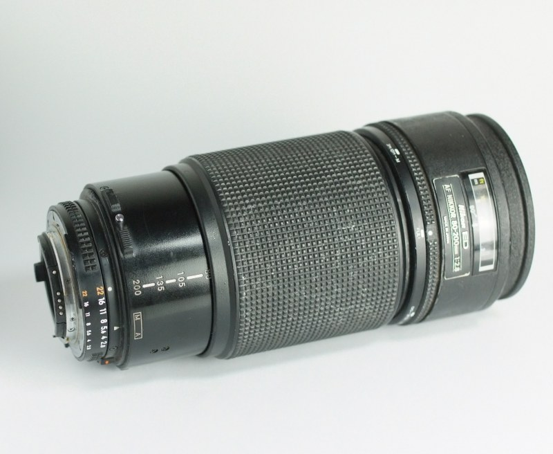 Nikon AF 80-200 mm F2,8 AF  ED