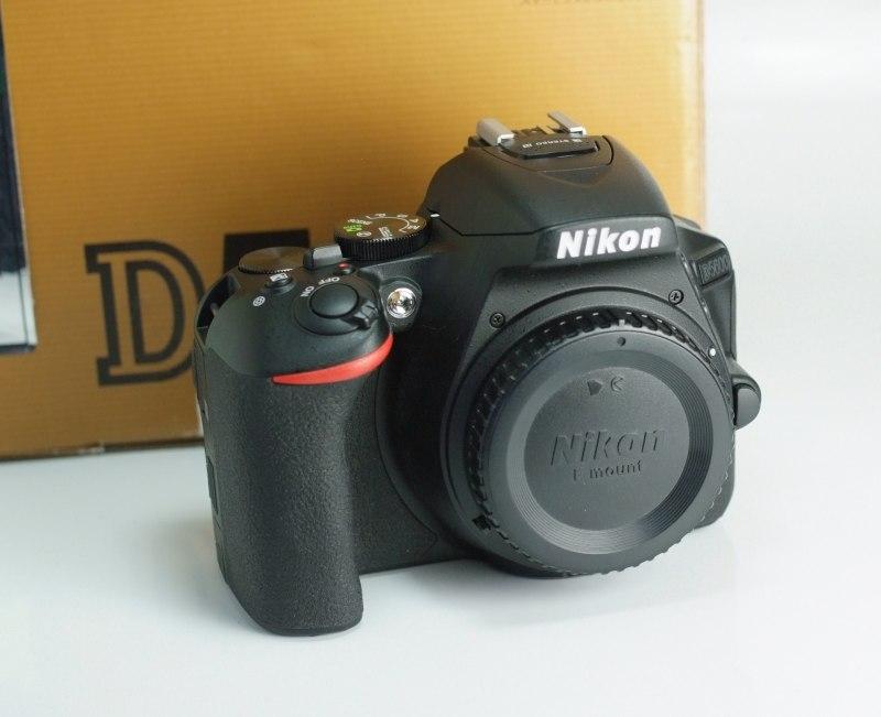 Nikon D5600 záruka 2/2019