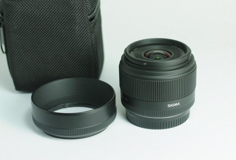 SIGMA 19 mm f/2,8 DN  pro Olympus/Panason